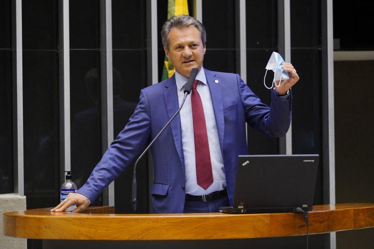 Deputado Giovani Cherini discursa no Plenário da Câmara