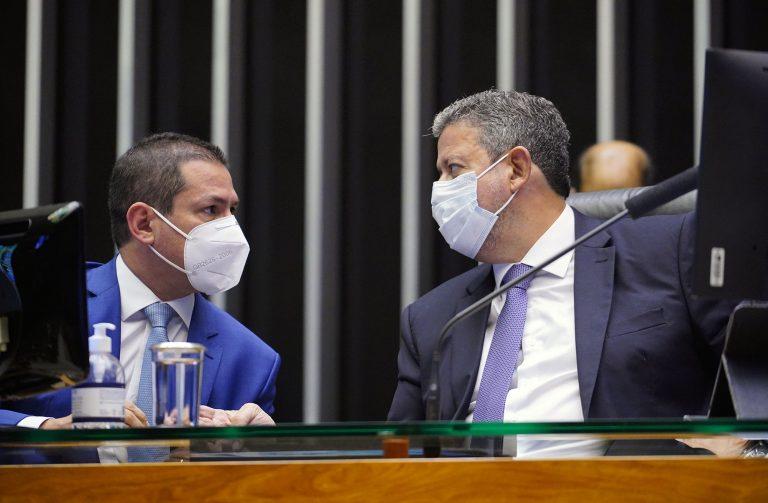 Discussão e votação de propostas. Vice-presidente da Câmara, Marcelo Ramos e o presidente da Câmara, Arthur Lira (PP - AL)