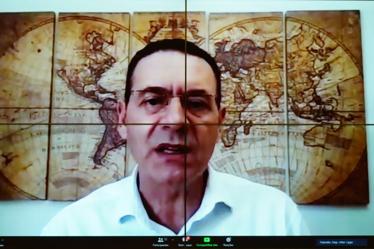 Vitor Lippi quer reduzir número de obras paradas com depósitos antecipados