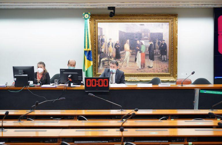 Audiência Pública - Debater a admissibilidade da <a class='linkProposicao' href='https://www.camara.leg.br/noticias/690350-pec-muda-regras-para-futuros-servidores-e-altera-organizacao-da-administracao-publica'>PEC 32/2020</a>. Dep. Darci de Matos (PSD - SC)