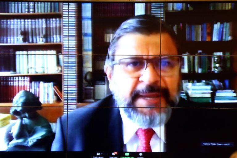 Debates sobre o tema: Investigação Criminal. Juiz Federal, representante da AJUFE ( Associação dos juízes do Brasil), Walter Nunes da Silva Júnior