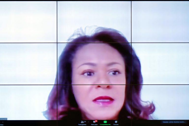 Debates sobre o tema: Sujeitos do Processo e Audiência de Custódia. Coordenadora da Comissão de Política Criminal ANADEP, Lúcia Helena Silva Barros de Oliveira