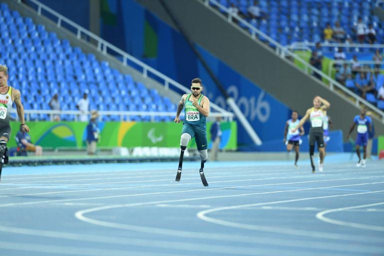 Esporte - geral - olimpíadas - jogos paralímpicos paralimpíada próteses deficiências competição
