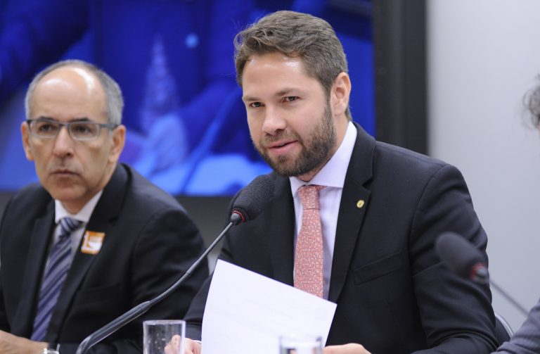 Audiência pública sobre os novos arranjos comerciais firmados em âmbito global e a inserção do Brasil esse contexto. Dep. Pedro Vilela (PSDB-AL))