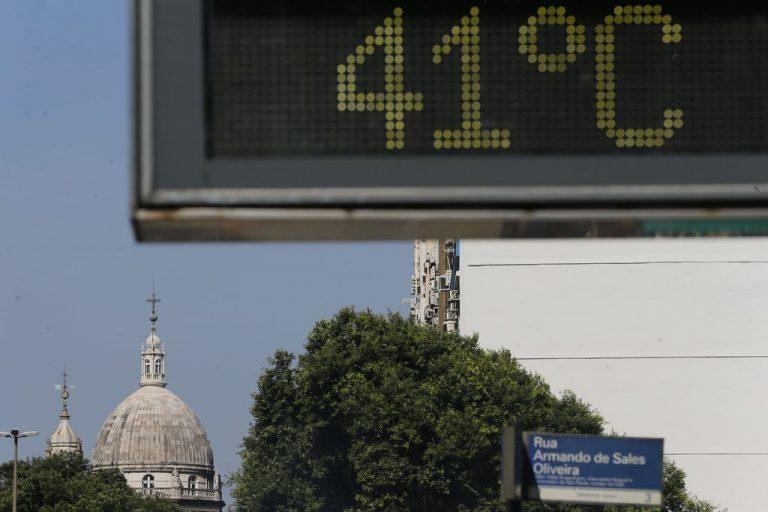 Termômetro marca 41 graus no Rio de Janeiro