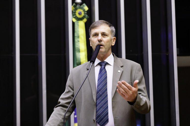 Deputado Luizão Goulart (PRB-PR) no Plenário da Câmara