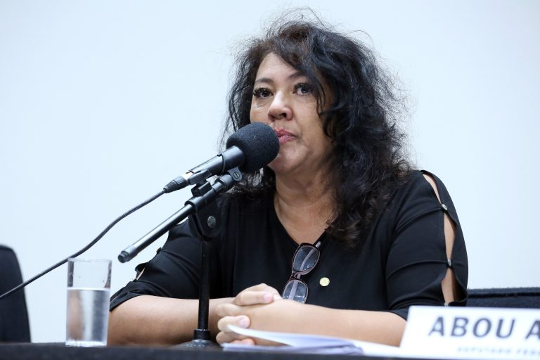 Defesa da Educação no Trânsito e Formação de Condutores. Dep. Christiane de Souza Yared (PL - PR)