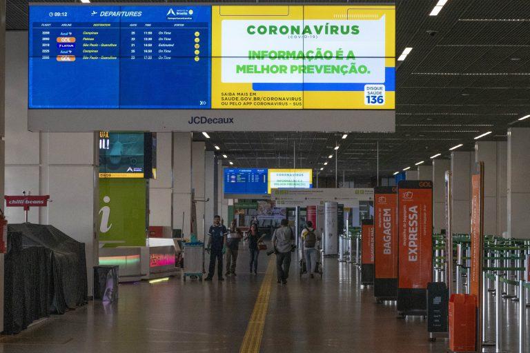 Saúde - doenças - coronavírus Covid-19 pandemia prevenção contágio contaminação quarentena isolamento transporte aéreo aviação (aeroporto de Brasília)