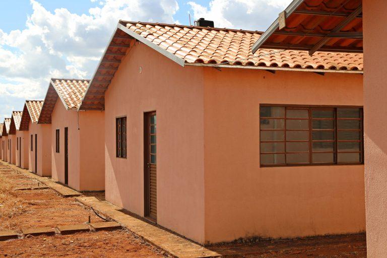 Casas de conjunto popular (Uberaba-MG)