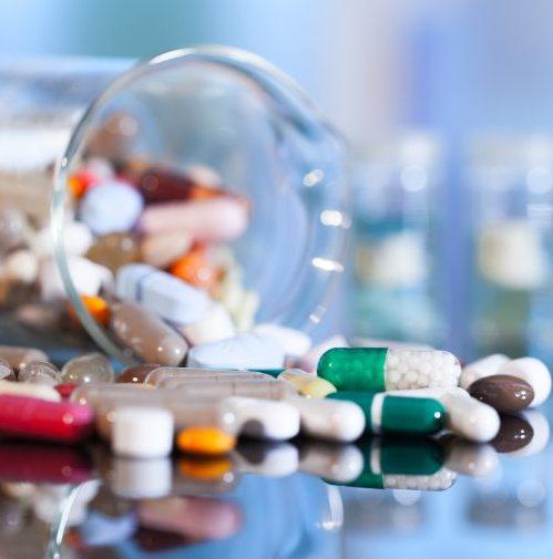 Saúde - remédios - medicamentos pílulas comprimidos princípios ativos farmácia farmacêuticos