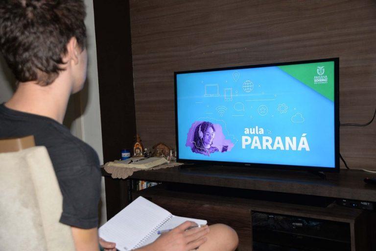 Educação - geral - teleaulas coronavírus Covid-19 pandemia distanciamento prevenção contágio contaminação estudantes escolas ensino TV tecnologia educacional (aulas a distância, pela televisão, para alunos de escolas públicas no Paraná)