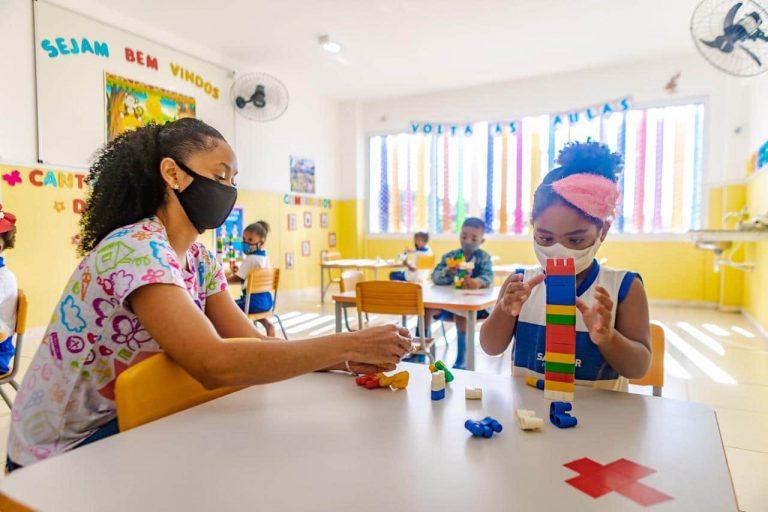 Educação - sala de aula - aula presencial - pandemia - Covid-19 - coronavírus - Salvador – Escolas municipais retomam aulas com segurança para alunos e trabalhadores da rede