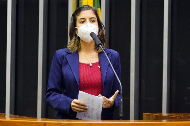 Deputada Tabata Amaral discursa no Plenário da Câmara