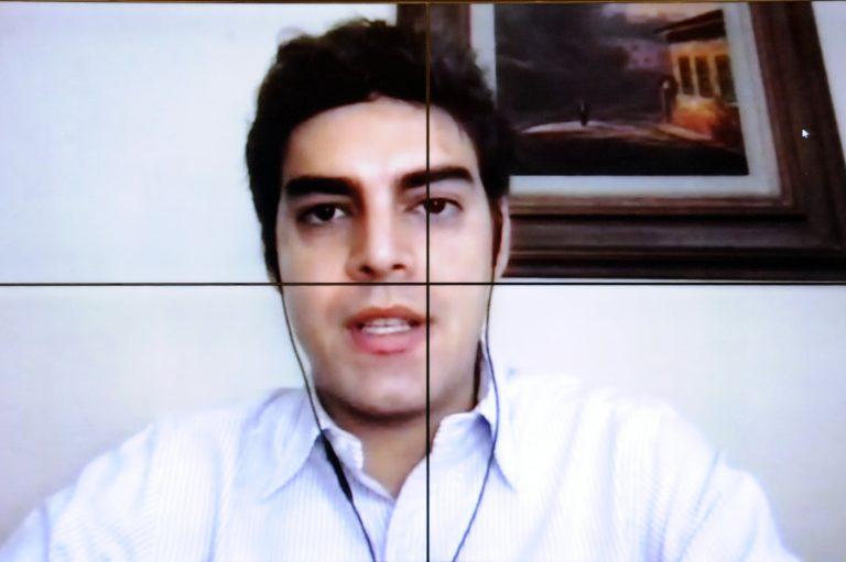 Tiago Mitraud defende a redução no número de cargos comissionados existentes no País