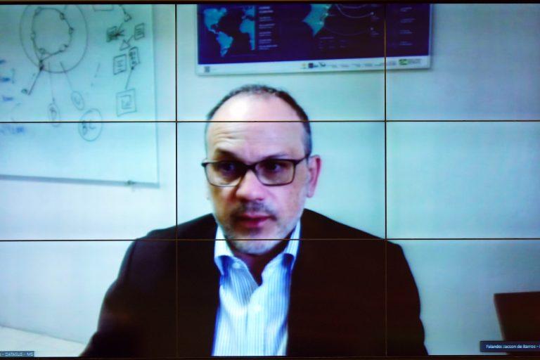 Jacson Barros pediu menos burocracia para o paciente
