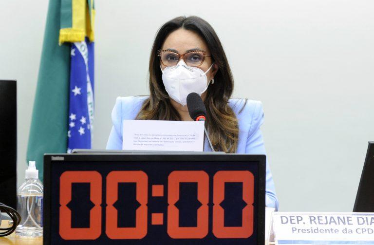 A deputada Rejane Dias