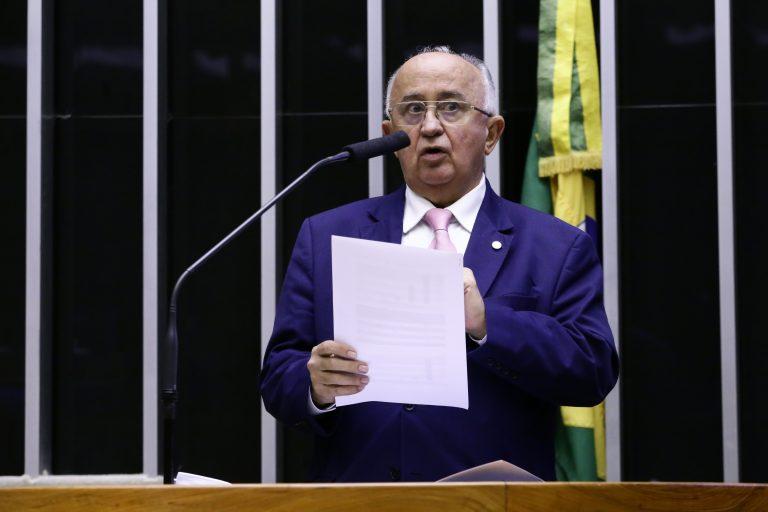 Discussão e votação de propostas- Proposições Remanescentes do Dia Anterior. Dep. Júlio Cesar(PSD - PI)