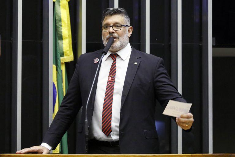 Deputado Alexandre Frota discursa no Plenário da Câmara