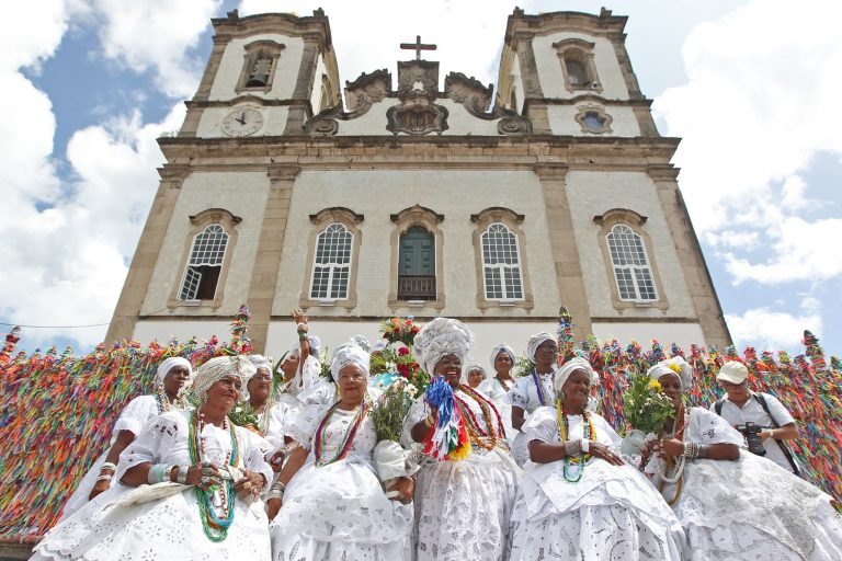 Religião - geral - sincretismo religioso catolicismo matriz africana fé crenças baianas (Lavagem do Bonfim 2020, Salvador-BA)