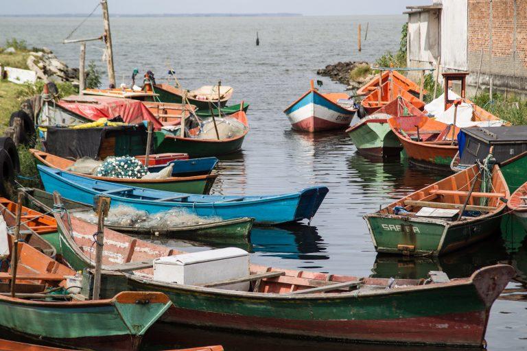 Transporte - barcos e portos - barcos pescadores embarcações pesca artesanal