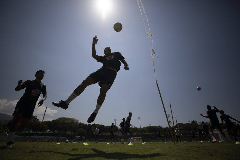 Esporte - futebol - jogadores treino atletas equipes campeonatos (treino da seleção brasileira de futebol)