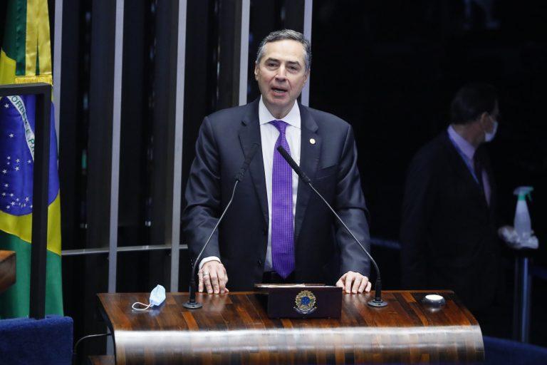 Promulgação da Emenda Constitucional nº 107 de 2020, que adia as eleições em razão do coronavírus. Ministro do Supremo Tribunal Federal e do Tribunal Superior Eleitoral, Luís Roberto Barroso