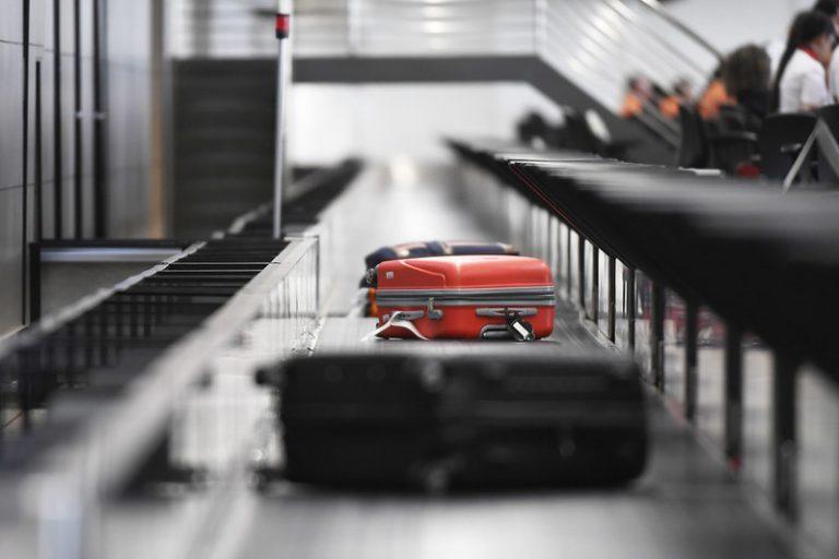 Transporte - aviação - bagagem - turismo - malas - viagem Infraestrutura. Aeroporto Internacional de Brasília.