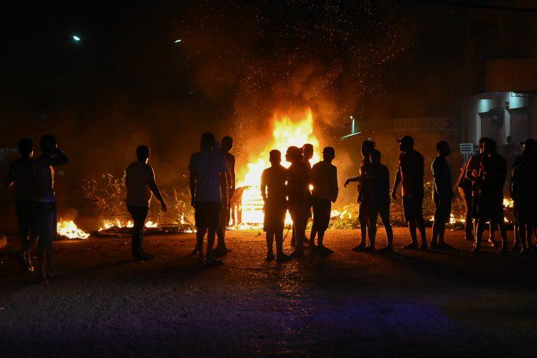 Protesto de moradores de Macapá durante o apagão, no ano passado