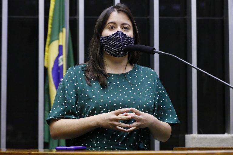 Deputada Sâmia Bomfim discursa no Plenário da Câmara