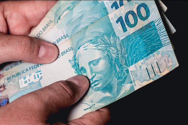 Economia - Dinheiro - cédulas e moedas de real - bancos - consumidor - orçamento - inflação - notas de dinheiro