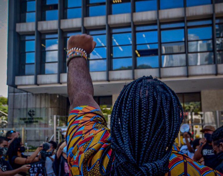"""Direitos Humanos - geral - negros - Ato do movimento """"Coalizão Negra"""" por direito ao auxílio emergencial e vacina para todos"""