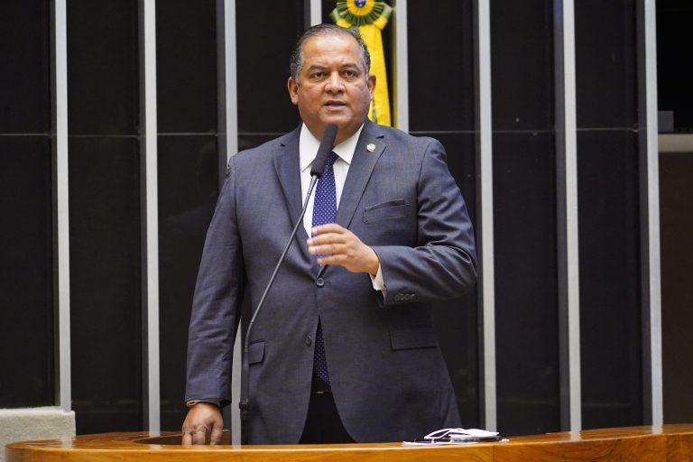 Deliberação de Vetos e Projetos de Lei. Sen. Eduardo Gomes