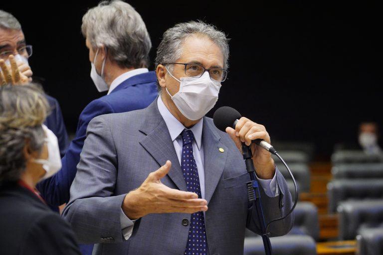 Discussão e votação de propostas. Dep. Carlos ZarattiniPT - SP