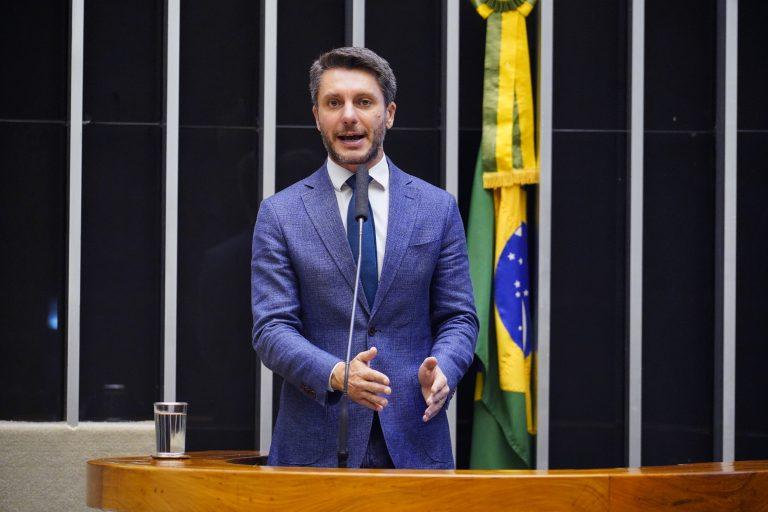 Deputado Alex Manente discursa no Plenário da Câmara
