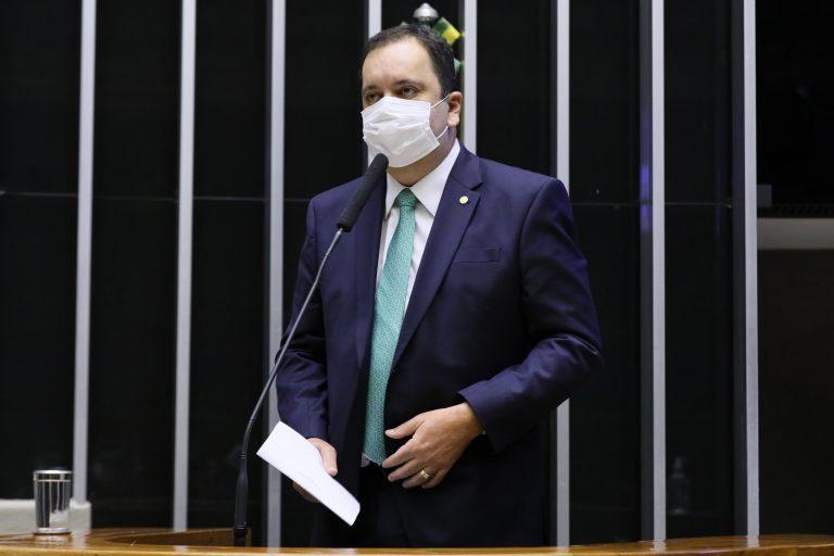 Discussão e votação de propostas. Dep. Elmar NascimentoDEM - BA