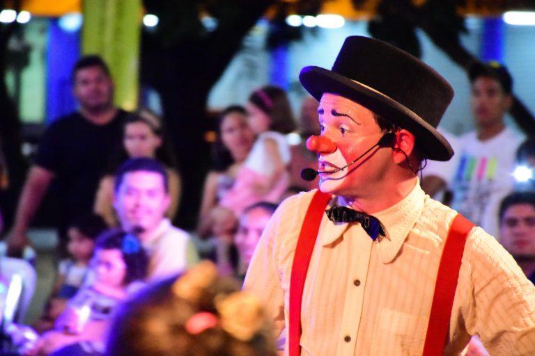 Cultura - geral - circo palhaço picadeiro artistas