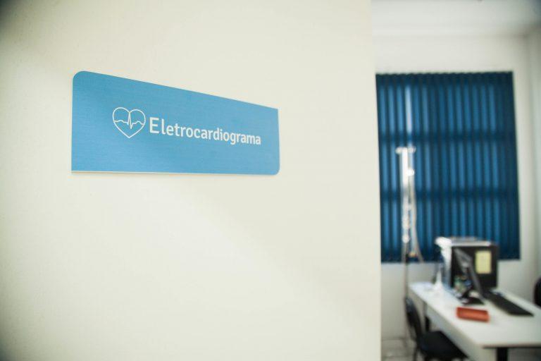 Saúde - geral - exames preventivos cardiológicos check-up cardiologia coração eletrocardiograma atendimento médico (Unidade Básica de Saúde UBS Virgílio da Costa, Pelotas-RS)
