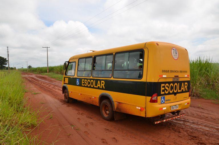 Projeto aprovado permite o uso de van escolar para transportar profissionais de saúde e doentes