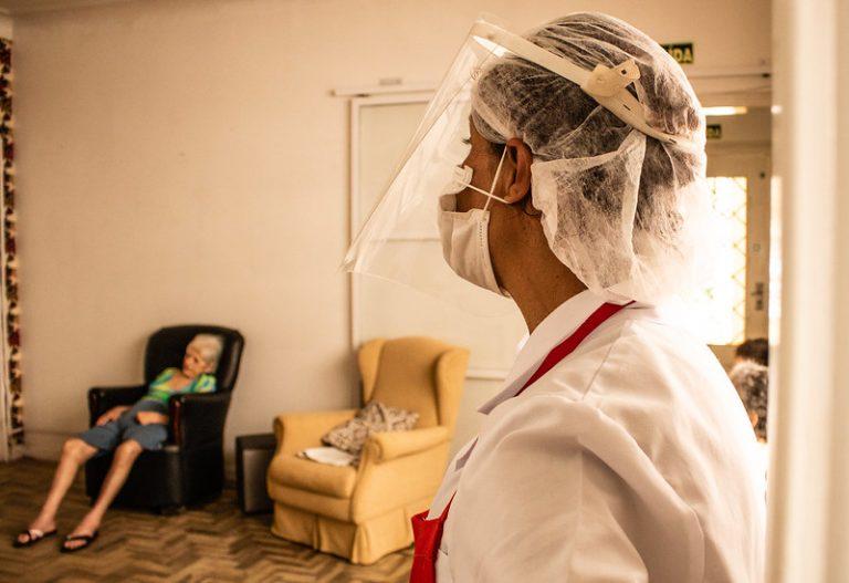 Saúde - coronavirus - pandemia - Covid-19 - idosos - vacinação - Último dia de vacinação das Instituições de Longa Permanência de idosos - asilo