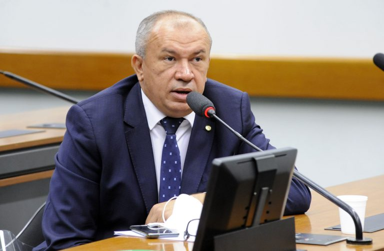Deputado Paulo Guedes (PT-MG)