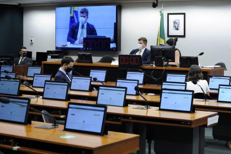 Audiência Pública: A infraestrutura educacional, a adoção de protocolos e ações de fomento ao ensino híbrido na educação básica durante a pandemia - Deputado Felipe Rigoni (PSB-ES)