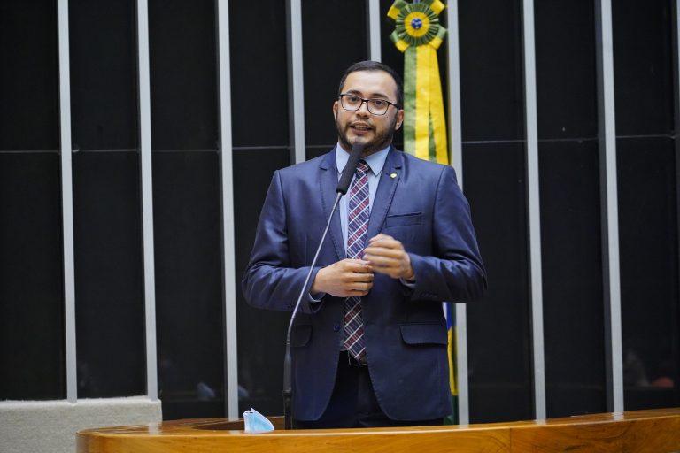 Deputado Rafafá discursa no Plenário da Câmara