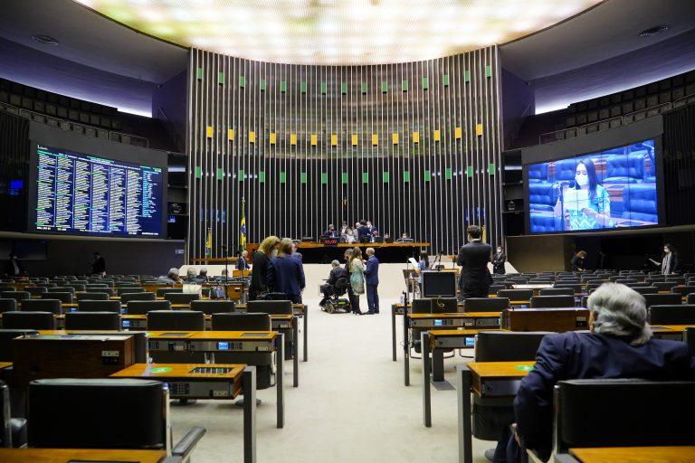 Discussão e votação de propostas.