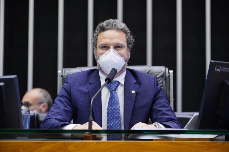 Discussão e votação de propostas. Dep. Fred CostaPATRIOTA - MG
