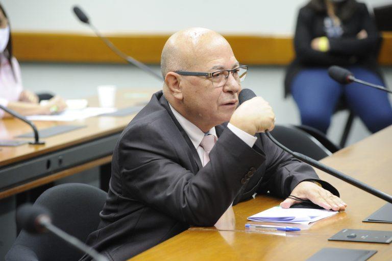 Esclarecimentos sobre os cortes no orçamento do Ministério da Educação. Dep. Professor AlcidesPP - GO