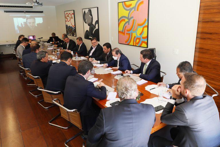 Reunião de líderes com o relator da reforma tributária