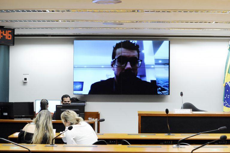 Audiência Pública - Debater Ciência, Tecnologia de Materiais e criatividade no fomento da bioeconomia e outras soluções para o Desenvolvimento Sustentável. Coordenador da USCGRAPHENE - Universidade de Caxias do Sul, Diego Piazza