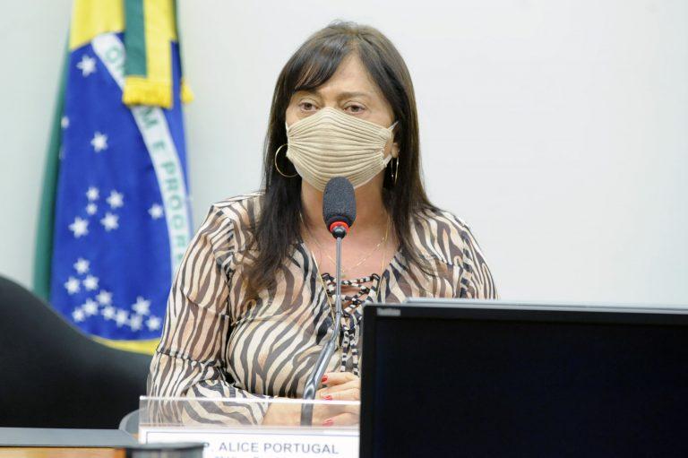 Audiência Pública - Efeitos da reforma nas políticas públicas de educação e saúde. Dep. Alice PortugalPCdoB - BA