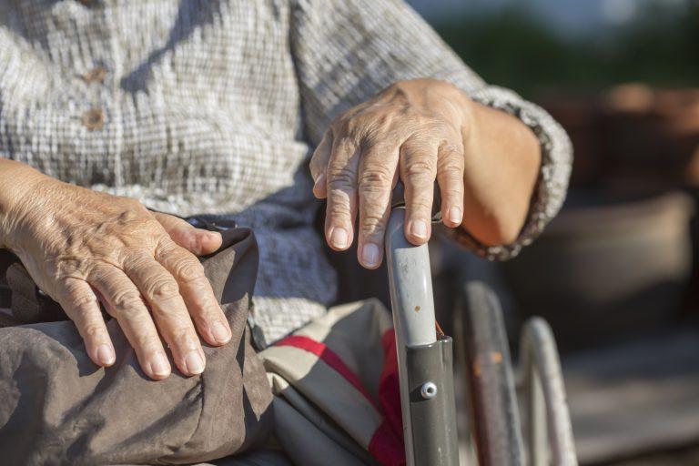 Direitos Humanos - idoso - pessoas velhas - terceira idade - asilo - Velhice