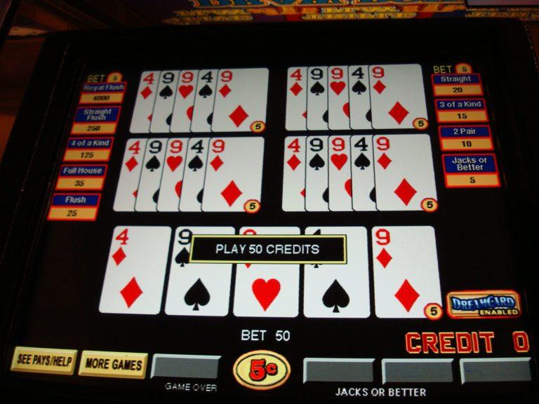 Segurança Pública - geral - jogos de azar - cartas